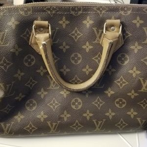 Handbags - Louis Vuitton by French Company